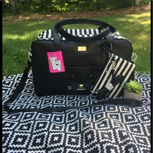 🐾NWT🐾 Betsey Johnson LBCRUIZE Weekender Bag